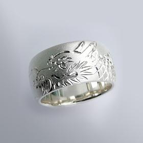 銀製和彫り リング 昇り龍