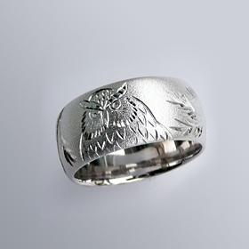 縁起物 銀製和彫り リング(梟(フクロウ))