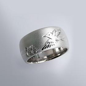 縁起物 銀製和彫り リング(極楽鳥)
